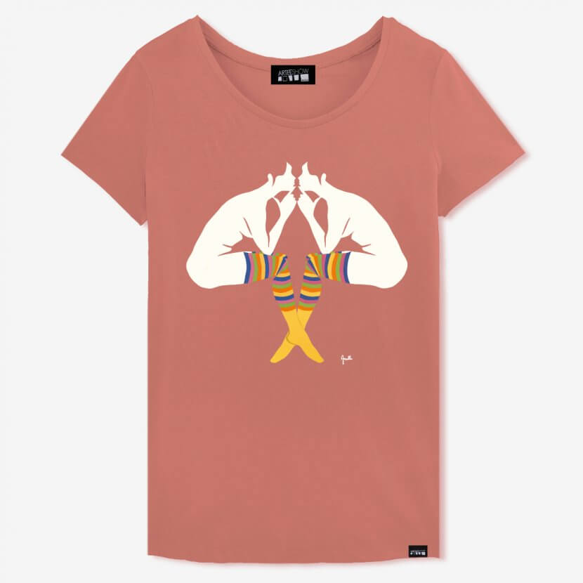 T-shirt Femme salty rose en coton biologique imprimé en Belgique inspiré de «L'Entretien» de Evelyne Axell pop art belge