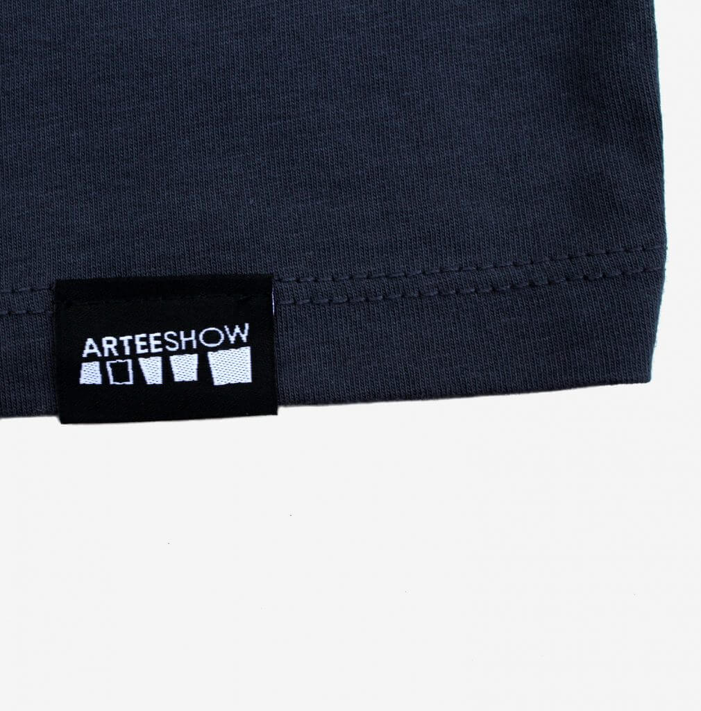 marque arteeshow sur t-shirt